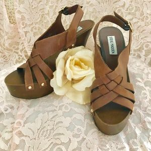Steve Madden brown leather and wood high heels